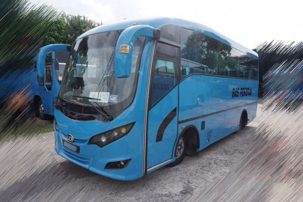 Medium Bus 27 Seaters