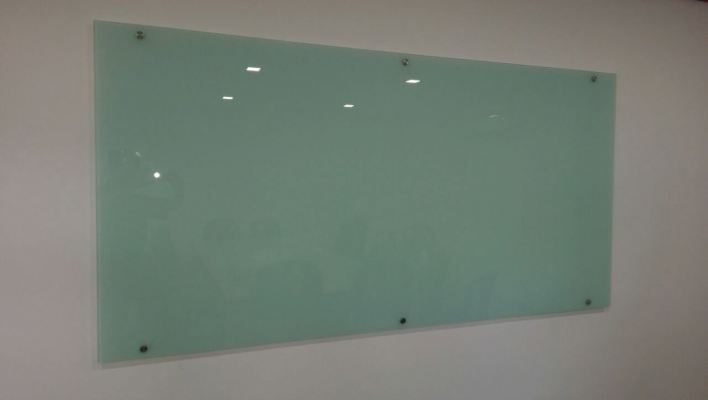 INTERIOR AND EXTERIOR GLASS SCREEN 30