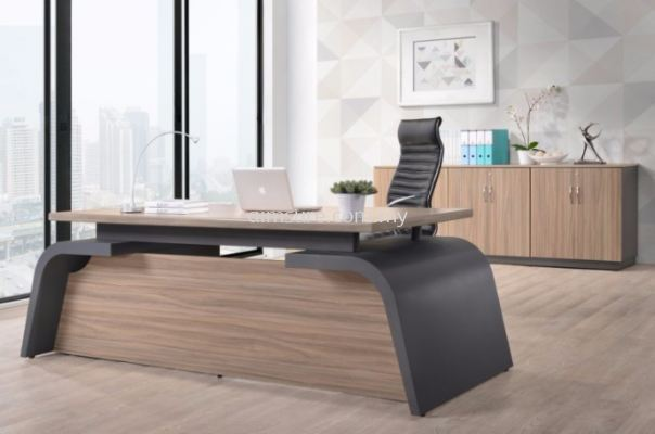 Farrano executive table (front view)