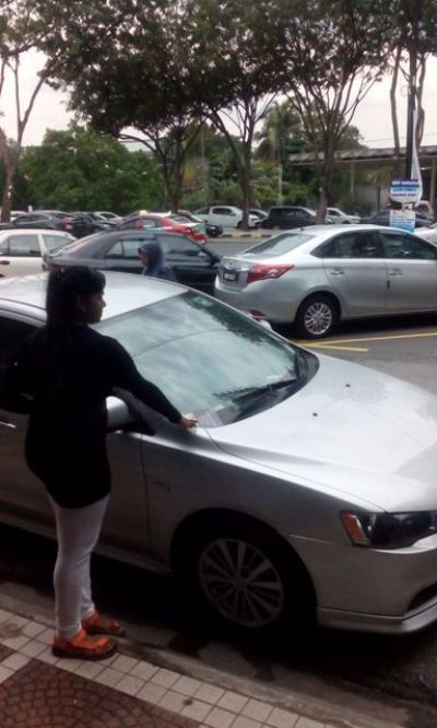 Car Windscreen Flyer Distribution