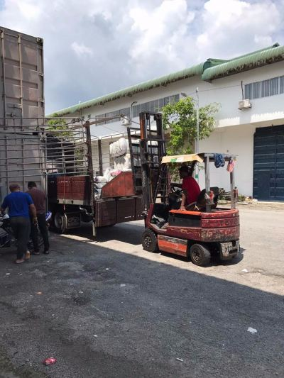05.06.2017 Loading bundle to customer's lorry