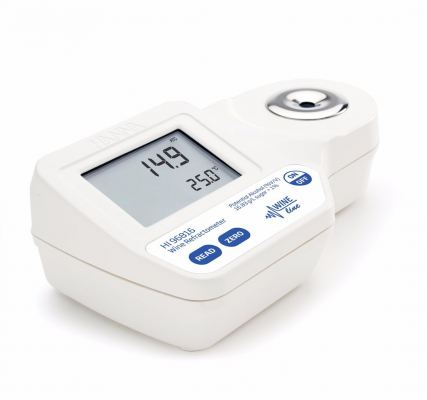 HI96816 Digital Refractometer for Potential Alcohol (% V/V) Analysis in Wine, Must and Juice According to EEC