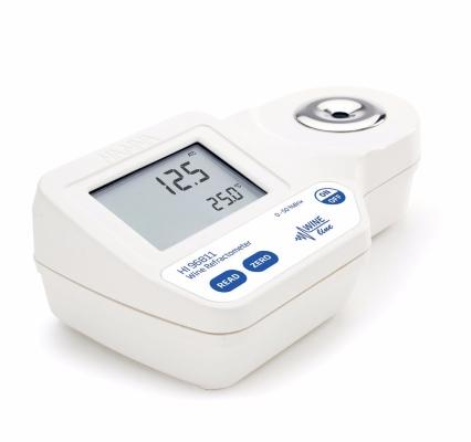 HI96811 Digital Refractometer for Sugar (% Brix) Analysis in Must and Juice
