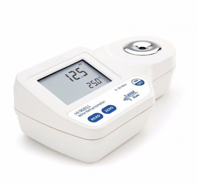 HI96811 Digital Refractometer for Sugar (% Brix) Analysis in Must and Juice