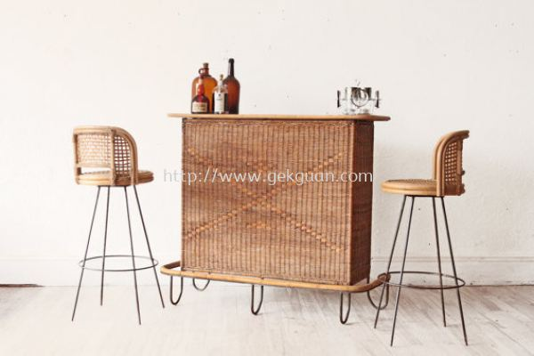 RBS 007 - RATTAN + METAL BAR STOOL