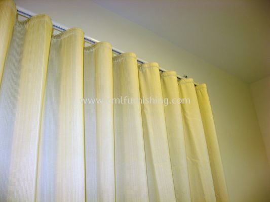 flexi-snake-curtain