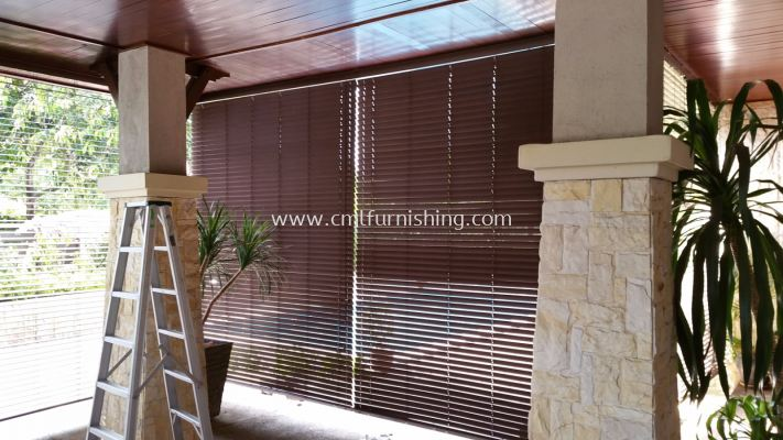 outdoor-venetian-blinds 1