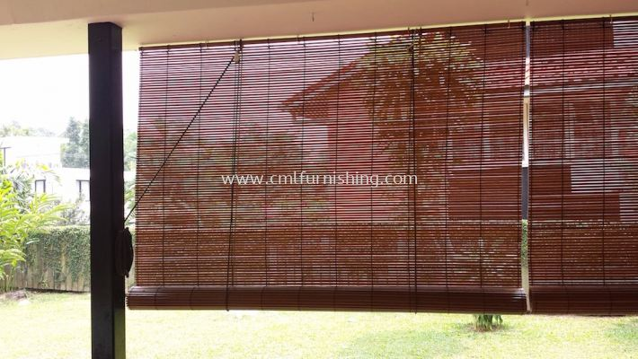 outdoor-bamboo-roller-blinds