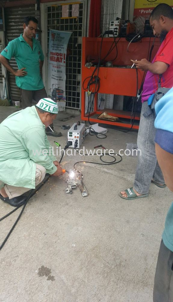 customer testing Austcorp mx200s non gas wire