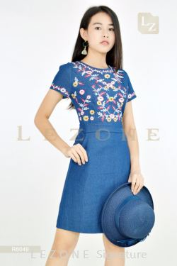 R8049 PLUS SIZE DENIM TOP FLORAL EMBROIDERED DRESS【BUY 2 FREE 3】