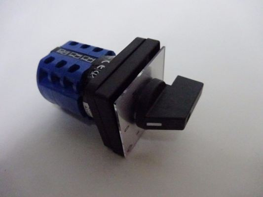 SWISSMEC SELECTOR SWITCH 20A 3P 2 WAY (A.O.M)