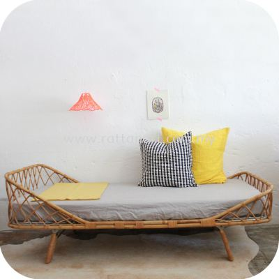 RATTAN DAY BED DIAMOND