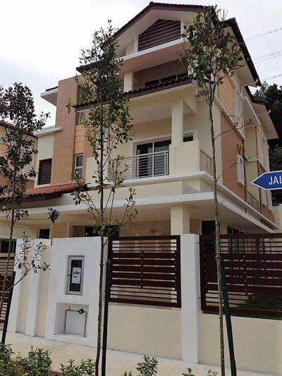 BUNGALOW HOUSE FOR SALE (RM3,200,000)