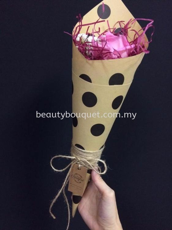 MB 018 Mini Bouquet