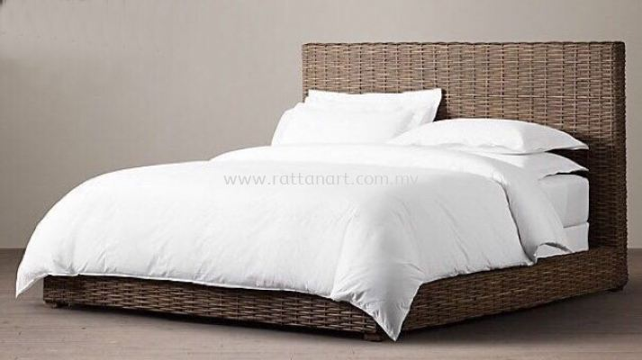 RATTAN KING/QUEEN BED RIC