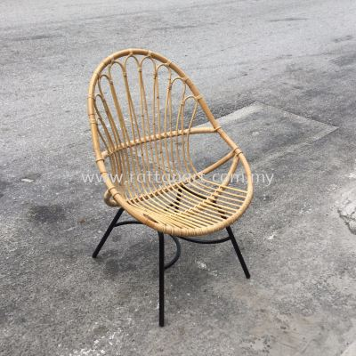 RATTAN + METAL LOUNGE CHAIR FLOWER