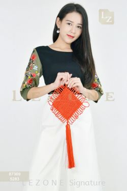 87369 EMBROIDERED SLEEVE BLOUSE【SCM VIP 10%】