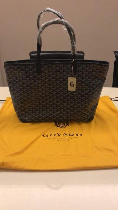 Brand New Goyard Artois MM in Black