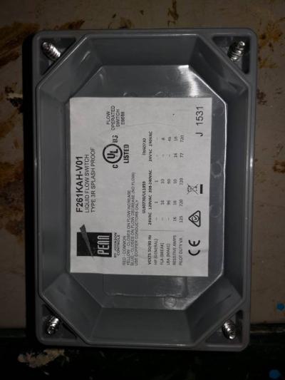 PENN F261KAH-V01 LIQUID FLOW SWITCH (TYPE  3R SPLASH PROOF)