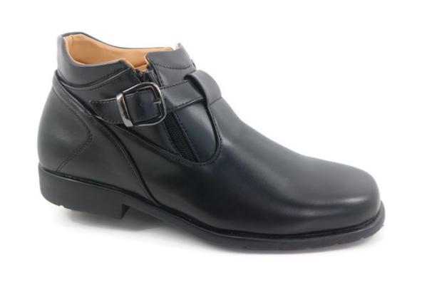 J82-80307 (Black) RM89.90