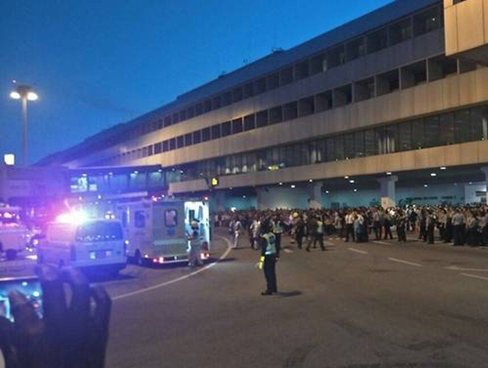 Fire at Changi T2 leaves thousands stranded
