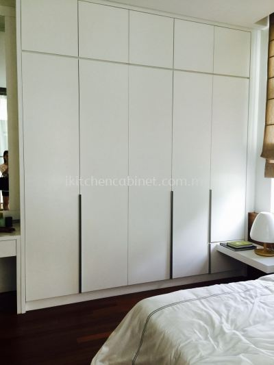 SW2 �C Wardrobe With Melamine Door