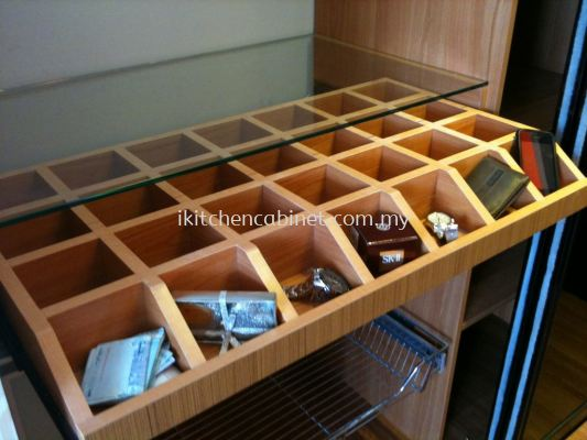 WA1 - Compartment Drawer With Glass Top