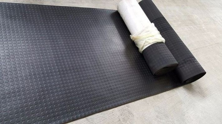RUBBER STUD MAT (ROLL FORM)