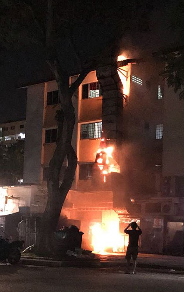 Fire breaks out at Yishun coffee shop