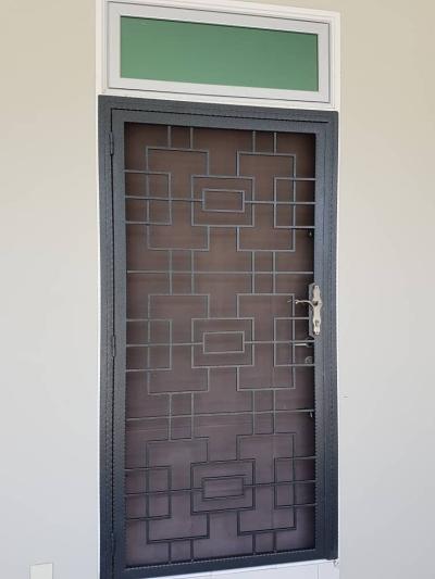 ENTRANCE DOOR 99