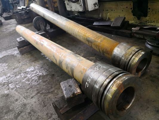 To sprayweld build up piston shaft journal Dia.125 x L800mm, machine to size c/w hardchrome finishing