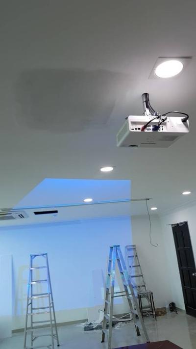 Projector & Installation