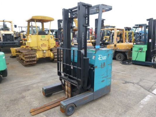 Battery Reach Truck 1.4 Tonne 3500mm Lifting Height