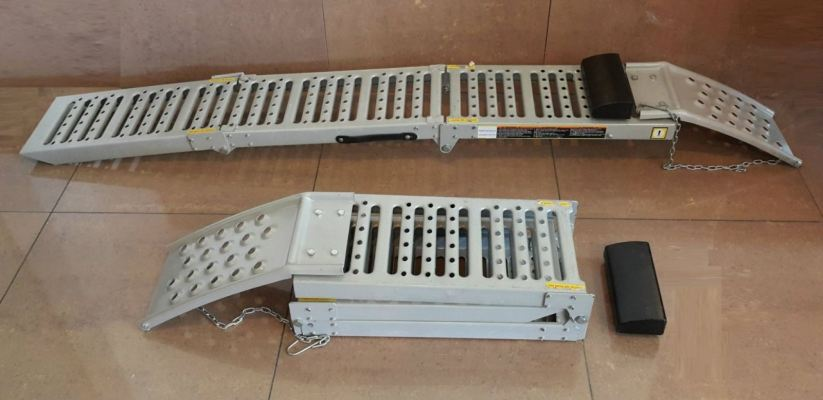 Steel Car Ramp (1set/2pcs) ID30325