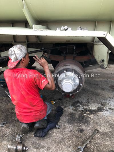 REPAIR AXLE TRAILER