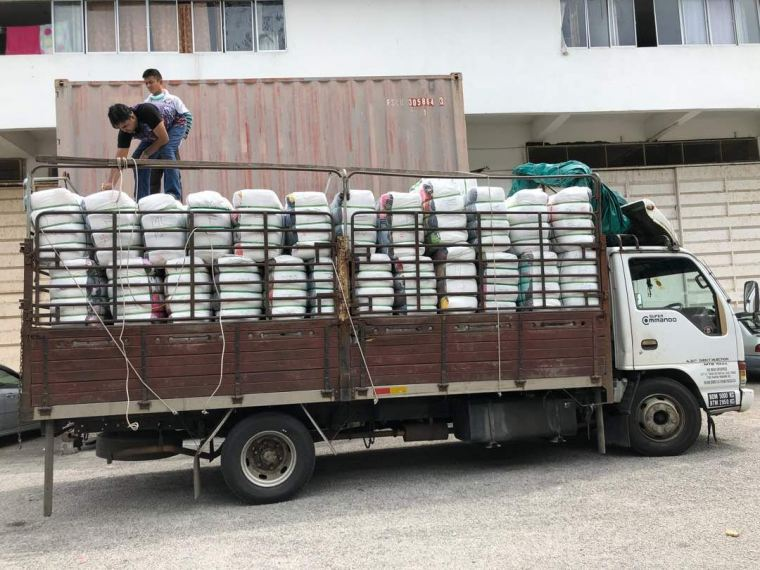 27.04.2018 Loading bundle to customer's lorry