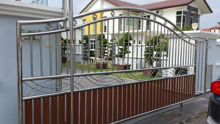 Stainless Steel Sliding Gate with Aluminium Wood