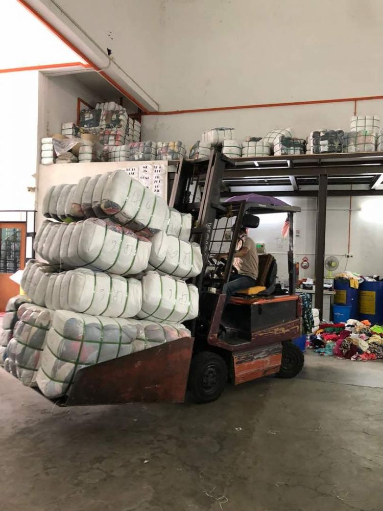 01.06.2018 Loading bundle to customer's lorry