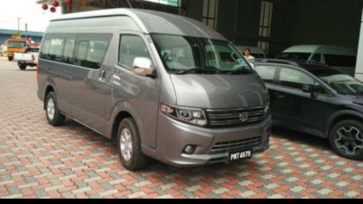 YANG TSE 3.0L 15 SEATER HIGH ROOF WINDOW VAN