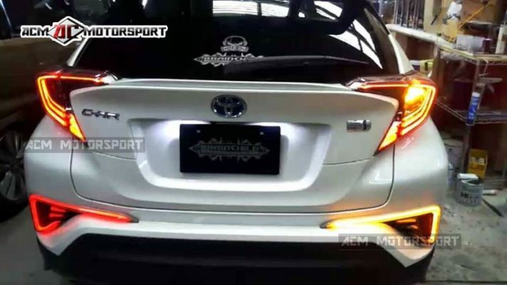 Toyota CHR rear reflector light