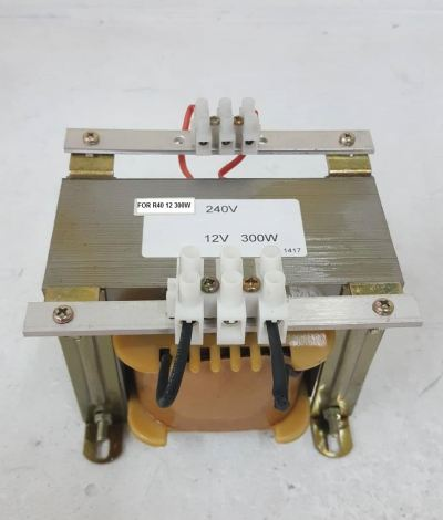 INPUT 240V-12VAC OUTPUT TRANSFORMER FOR R40 12V 300W SWIMMING POOL LAMP