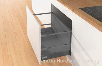 Pot-and-Pan Drawer with Railing, Customised Rear Panel Height Pot-and-Pan Drawer Hettich