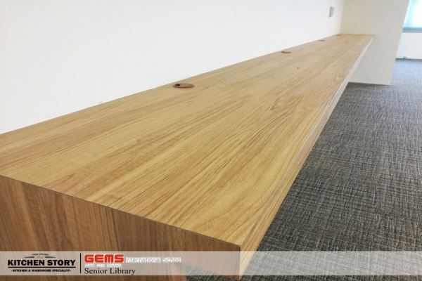 Hanging Computer Desk With Laminate Finish