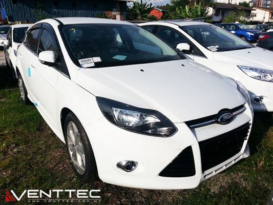 FORD FOCUS HATCHBACK 3�� = 75mm venttec door visor
