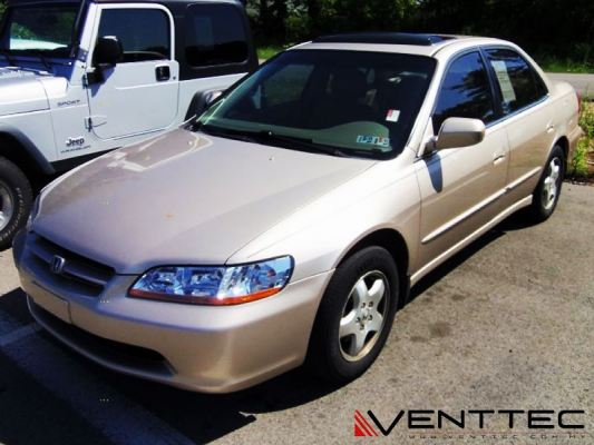 HONDA ACCORD (4�� = 100MM) venttec door visor
