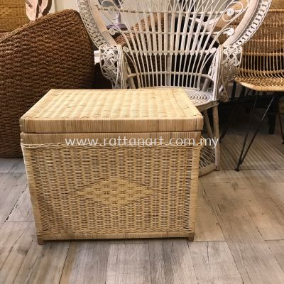 RATTAN WICKER STORAGE / LAUNDRY BASKET WITH LID