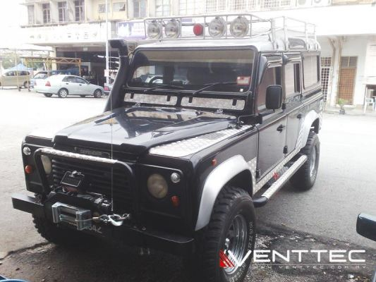 LAND ROVER DEFENDER 110 venttec door visor