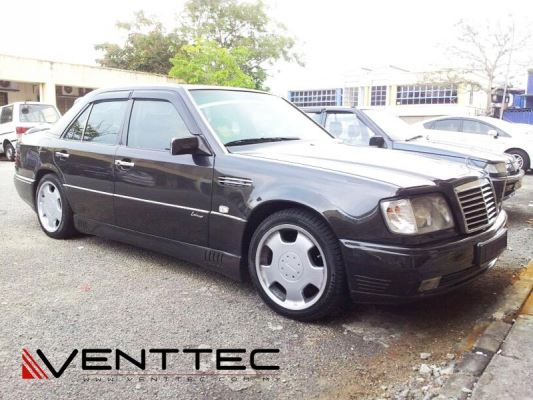 MERCEDES E-CLASS W124 SEDAN venttec door visor