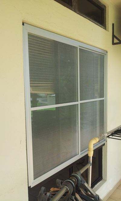 ALUMINIUM SLIDING WINDOW INSECT SCREEN / Mosquito Net