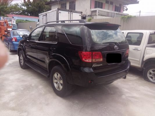 TOYOTA FORTUNA 2,5L DIESEL TURBO  06 FOR SALES